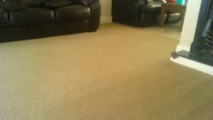 picture of a sitting room carpet before cleaning